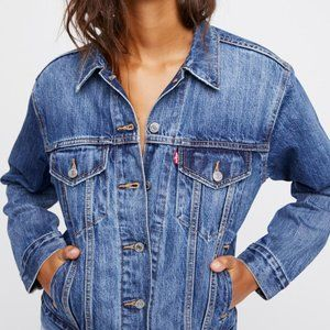 Levi's Ex-boyfriend Trucker Med Wash Denim Jacket